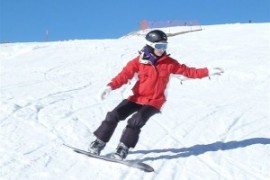 Boarderin Alysha kommt nach gebrochenen Beinen wieder aufs Board